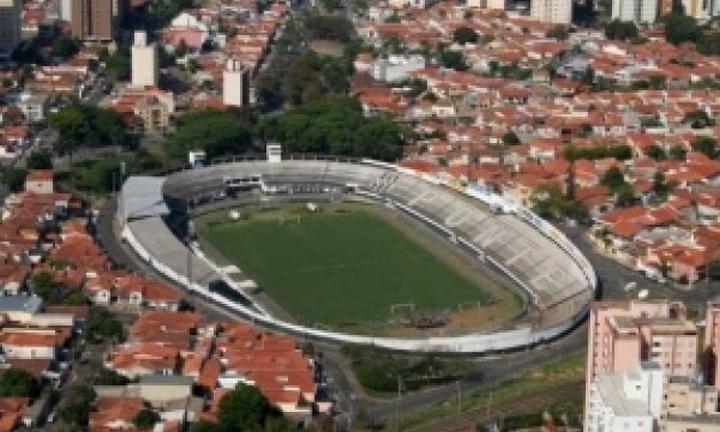 Estádio Moisés Lucarelli