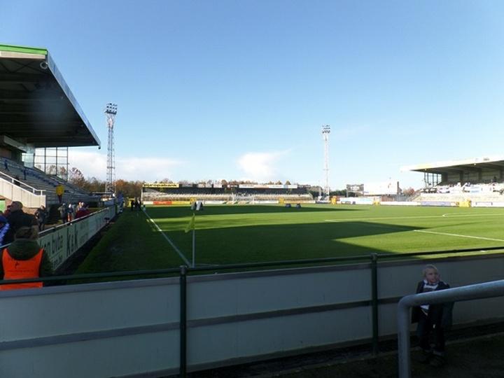 Stadion De Leunen