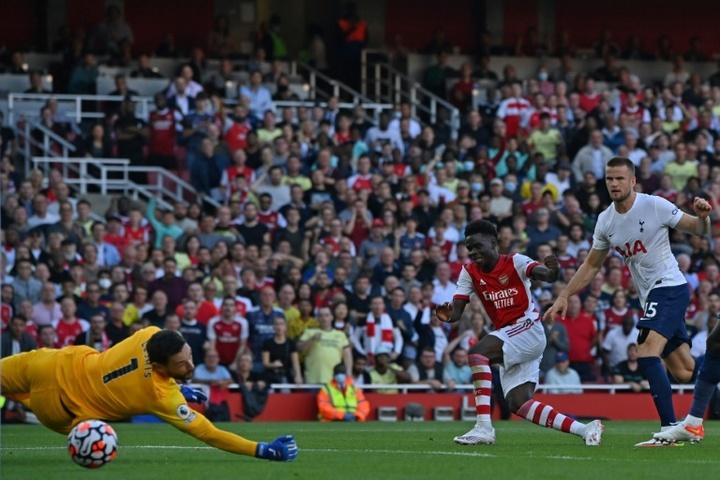 Arsenal atropela o Tottenham.AFP