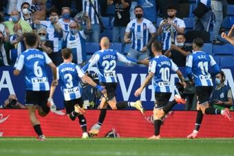 Aleix Vidal le marcó al Real Madrid. AFP