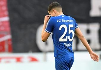 El colista, descendido y desahuciado Schalke 04 le 'regala' la Champions a Haaland. AFP