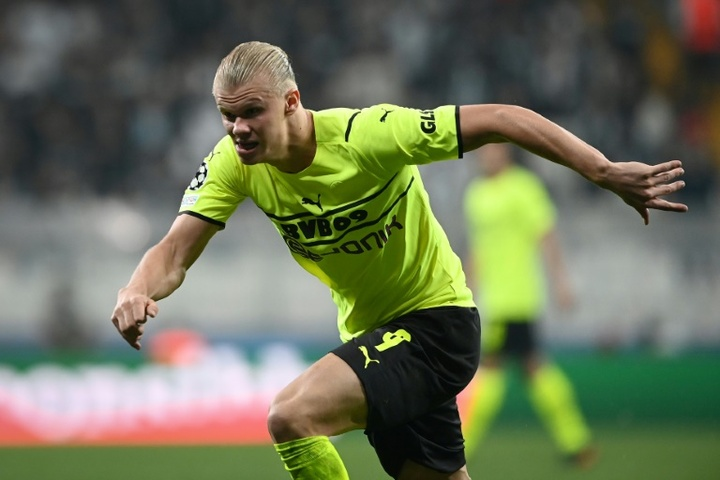 'Tie them down': Dortmund ponder how to keep Haaland, Bellingham
