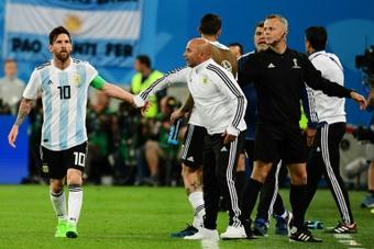 Sampaoli desveló cómo fue su reencuentro con Messi. AFP