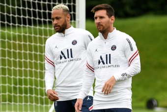 Neymar wants to make history again alongside Messi. AFP