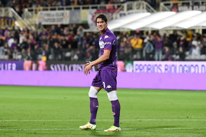 In form striker Vlahovic could be Lewandowski's replacement
