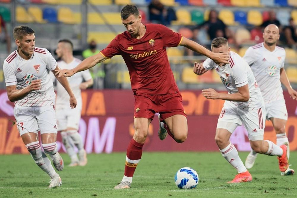 Dzeko firmó con el Inter. AFP