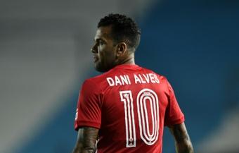 Dani Alves reviendra quand Sao Paulo aura payé son salaire. AFP