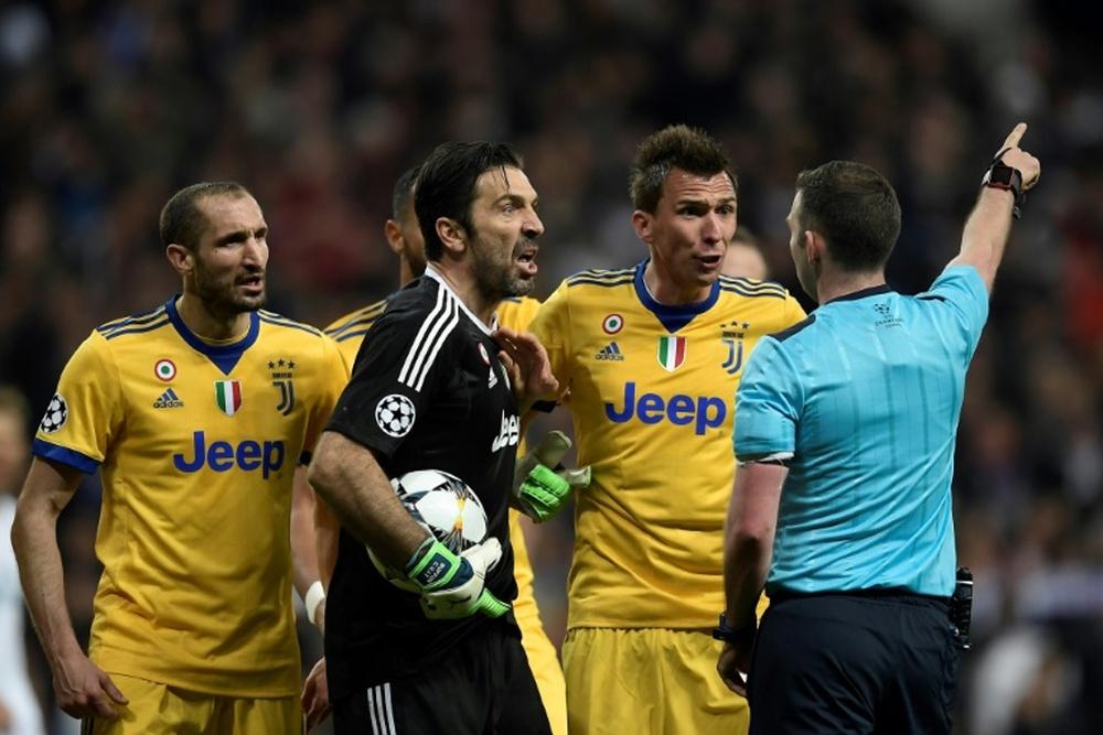 Buffon guarda un recuerdo agridulce de esta noche. AFP/Archivo
