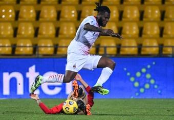 Kessié acaba su contrato con el Milan en 2022. AFP