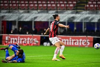 Il Milan annuncia l'arrivo di Mirante. AFP