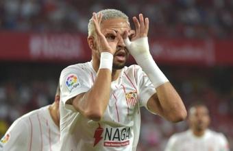 O Arsenal oferece uma troca entre Lacazette e En-Nesyri. AFP