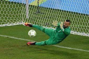 Chile para no paredão Weverton e Brasil continua 100% nas Eliminatórias. AFP