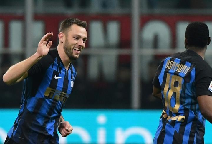 De Vrij podría salir del Inter. AFP