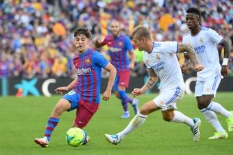 Novembro, mês crucial para as renovações de Gavi e Araujo no Barcelona. AFP