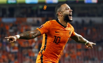 Depay quiere resucitar con Países Bajos. AFP