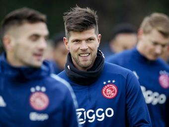 Huntelaar empieza como técnico en el Sub 21 del Vitesse. AFP