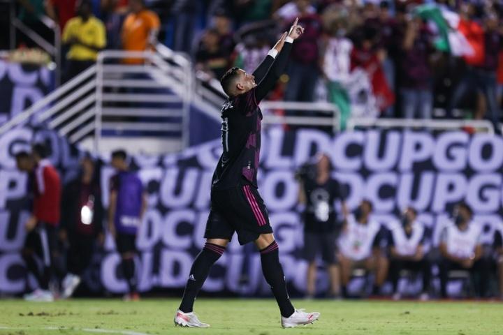 México tumbó 0-3 a Guatemala. AFP