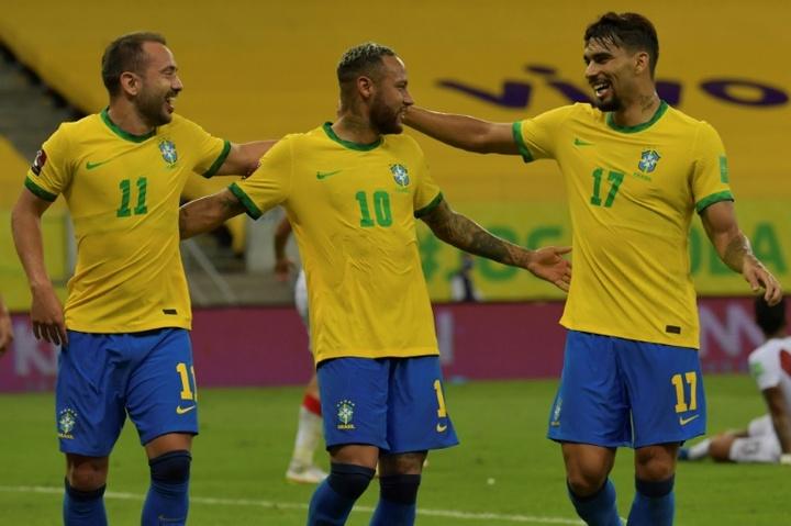 Le formazioni ufficiali di Colombia-Brasile. AFP