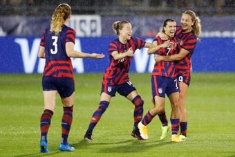 Estados Unidos sigue arrasando en el fútbol femenino. AFP