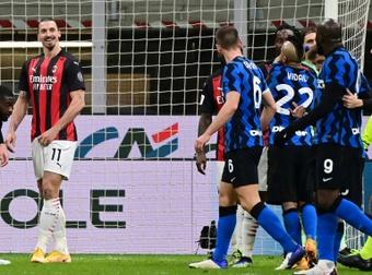 Lukaku e Ibrahimovic tuvieron un encontronazo en Coppa. AFP