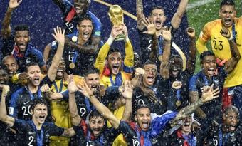 La UEFA prevé pérdidas de 3.000 millones por el Mundial bienal. AFP