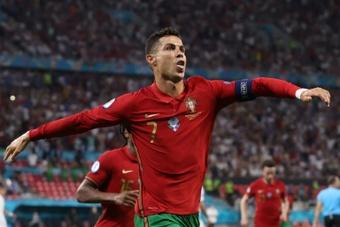 Cristiano celebró su nuevo récord. AFP