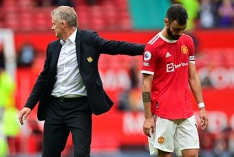 Bruno Fernandes s'excuse après avoir manqué son penalty. AFP
