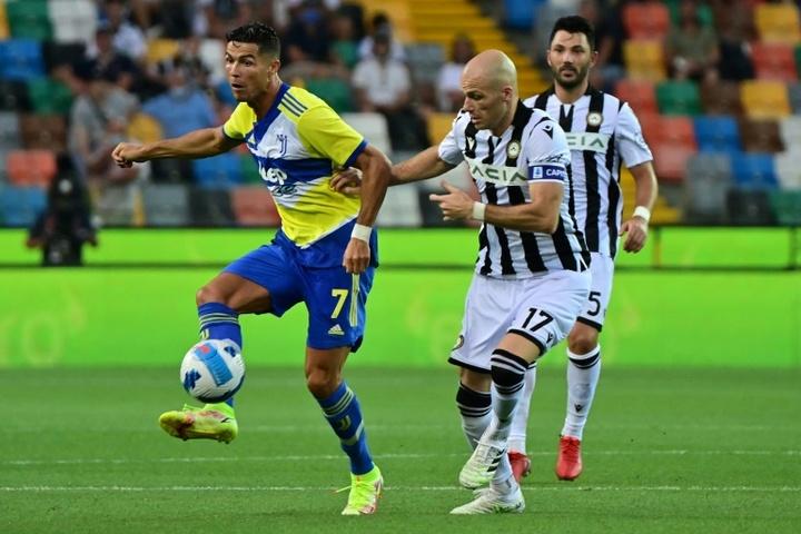 Ronaldo denied late winner as Juve stumble, Abraham shines in Mourinho's Roma bow