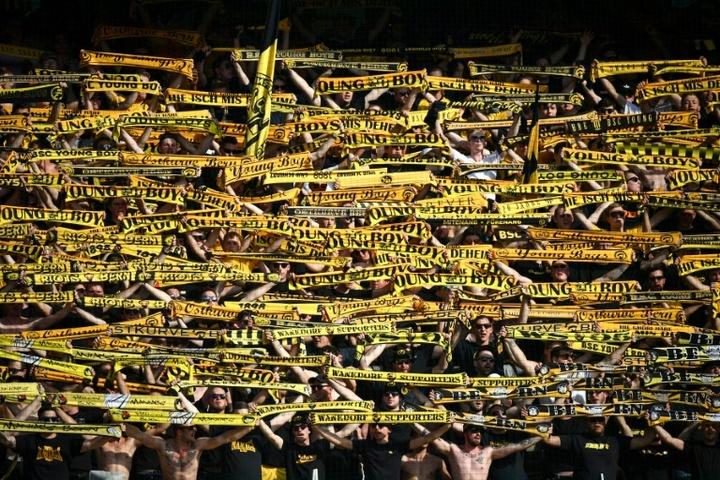 Los aficionados del United no podrán entrar al campo del Young Boys. AFP