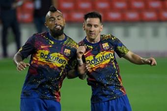 Vidal desveló el equipo en el que se retirará... ¡e invitó a Messi! AFP