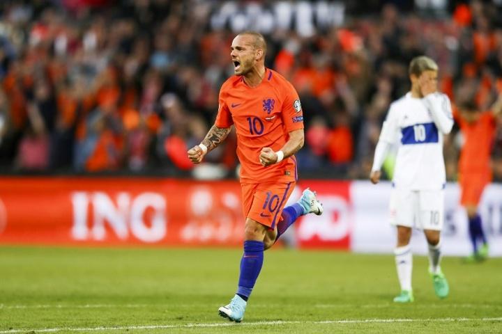 Sneijder veut voir Onana au Real ou au Barça. afp