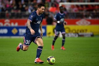 Henry quedó deslumbrado con la actuación de Messi. AFP