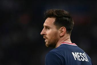 Por suerte para Ander Herrera, él no tiene que preocuparse de tener a raya a Messi. AFP