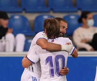 Benzema e Modric terminam contrato em 2022 e o Real precisa decidir. AFP