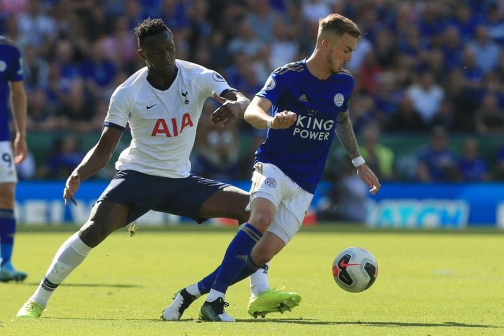 Wanyama (i) podría dejar el Tottenham. AFP
