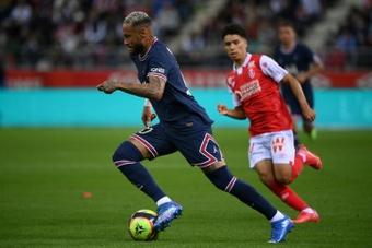 Neymar no cuajó una buena actuación ante el Reims. AFP