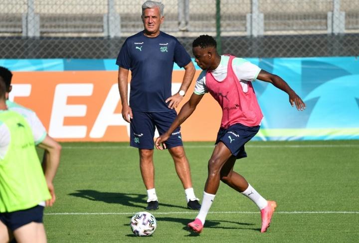 Denis Zakaria suena para jugar en el Barça. AFP