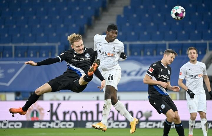 Mönchengladbach atropela o Arminia Bielefeld. AFP