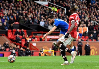 Andros Townsend igualó el Everton-Manchester United (1-1). AFP
