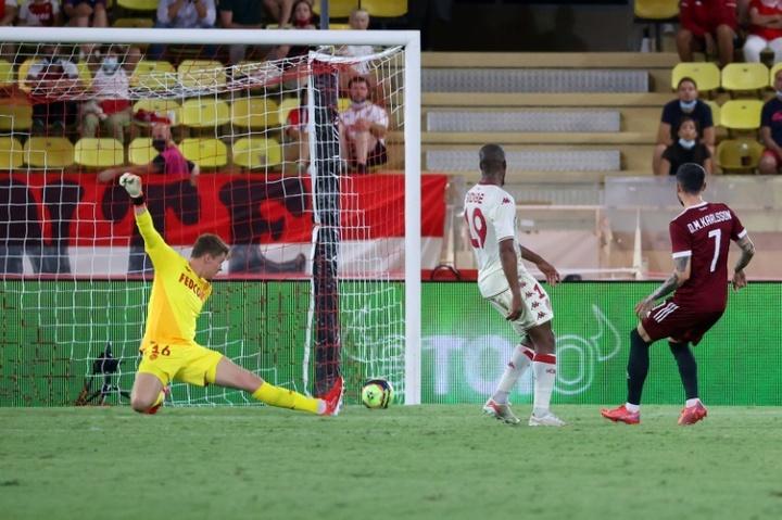 Nübel recibió pitos por parte de la afición del Mónaco en el duelo ante el Saint-Étienne. AFP