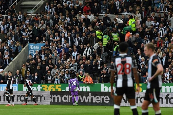 A nova era do Newcastle começa com um derrota para o Tottenham. AFP
