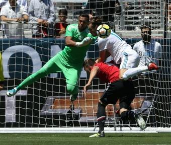 El meta argentino suena para jugar en el Granada. AFP