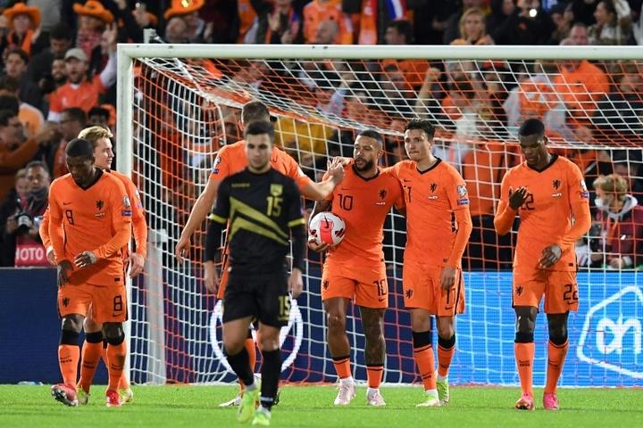 Países Baixos atropela Gibraltar pelas Eliminatórias. AFP
