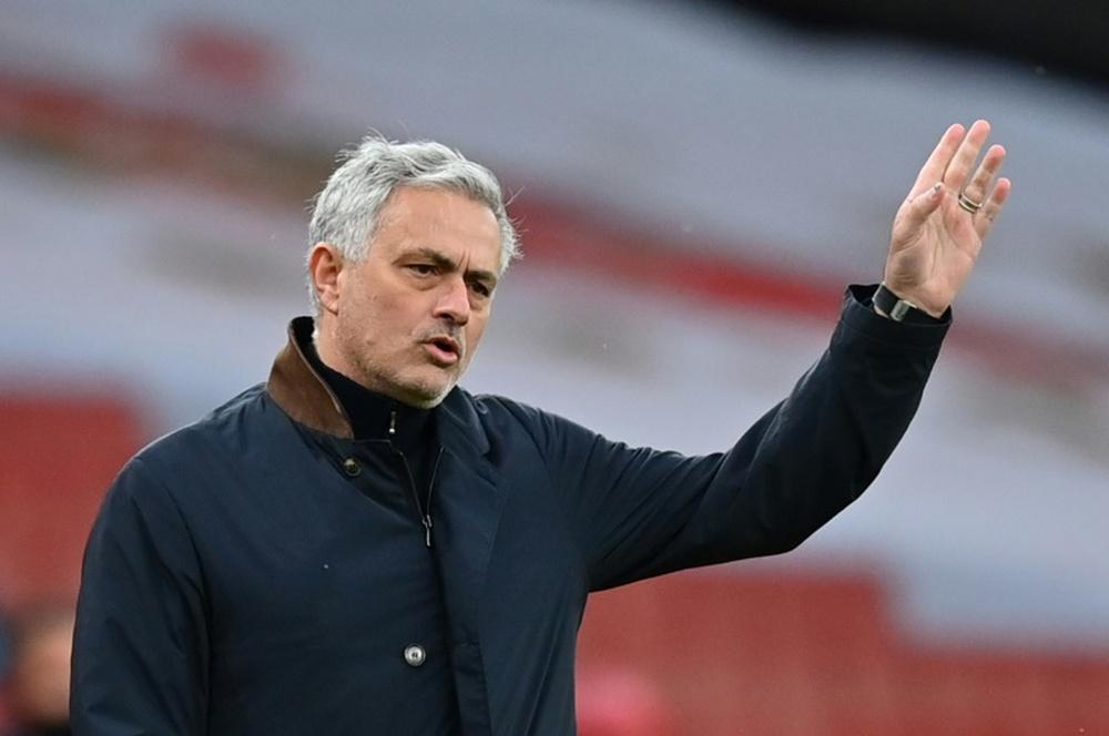 Mourinho prepara ocho descartes. AFP