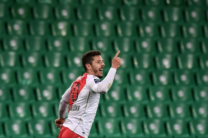 Jovetic podría aterrizar en Los Cármenes. AFP