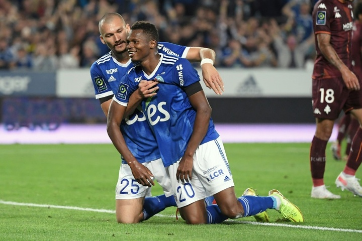 El Estrasburgo venció 3-0ante el Metz. AFP