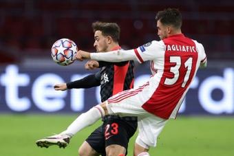 Overmars lo desveló: Tagliafico y Neres quieren salir del Ajax. AFP