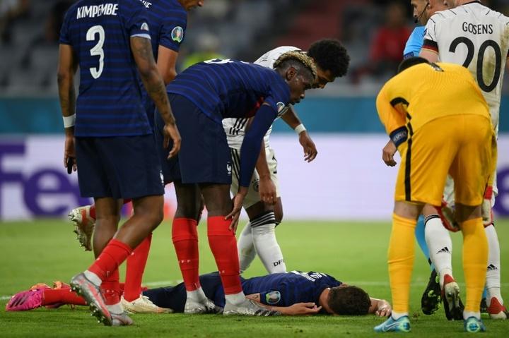 L'UEFA ouvre une enquête après la violente faute subite par Pavard. AFP