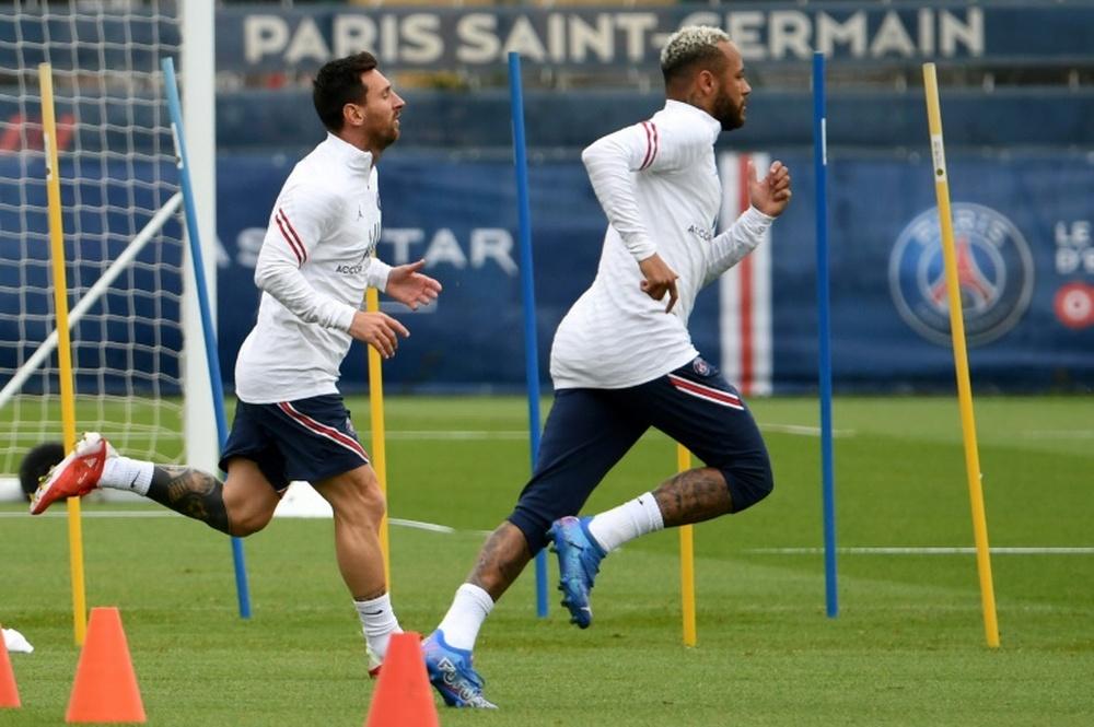 Messi y Neymar podrían jugar ante el Stade Reims. AFP
