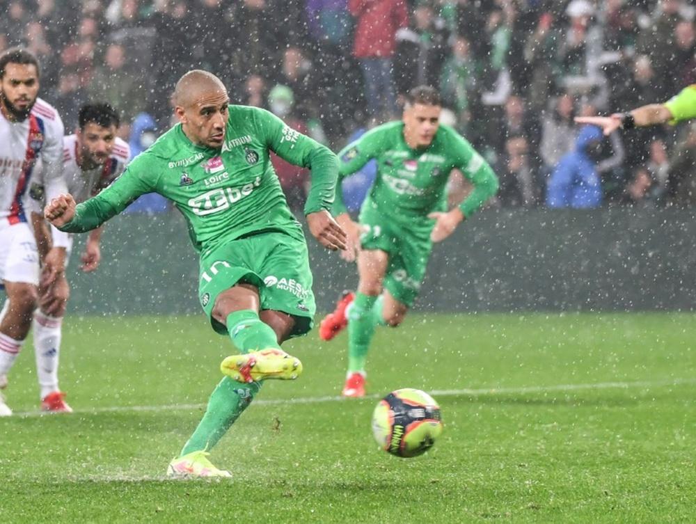 Kazhri evita que el derbi se vaya a Lyon. AFP